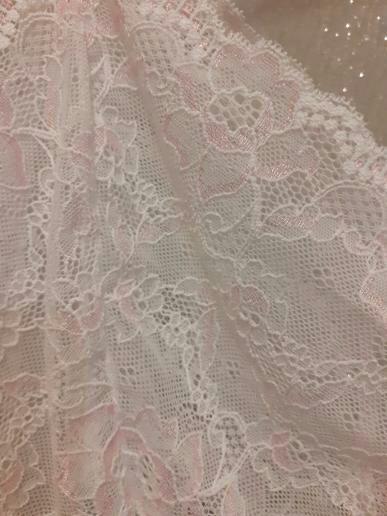 Ziggy Petal lace